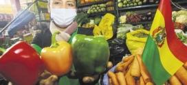 Elvira Aiza Prado alimenta a las familias con amor